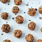 Chocolate Mint Date Energy Balls- Chocolate and mint come together in a easy to make date energy ball. Helping you satisfy your sweet tooth in a healthy way, these mint chocolate chip energy balls only have 4 ingredients! Gluten free and paleo date energy balls.
