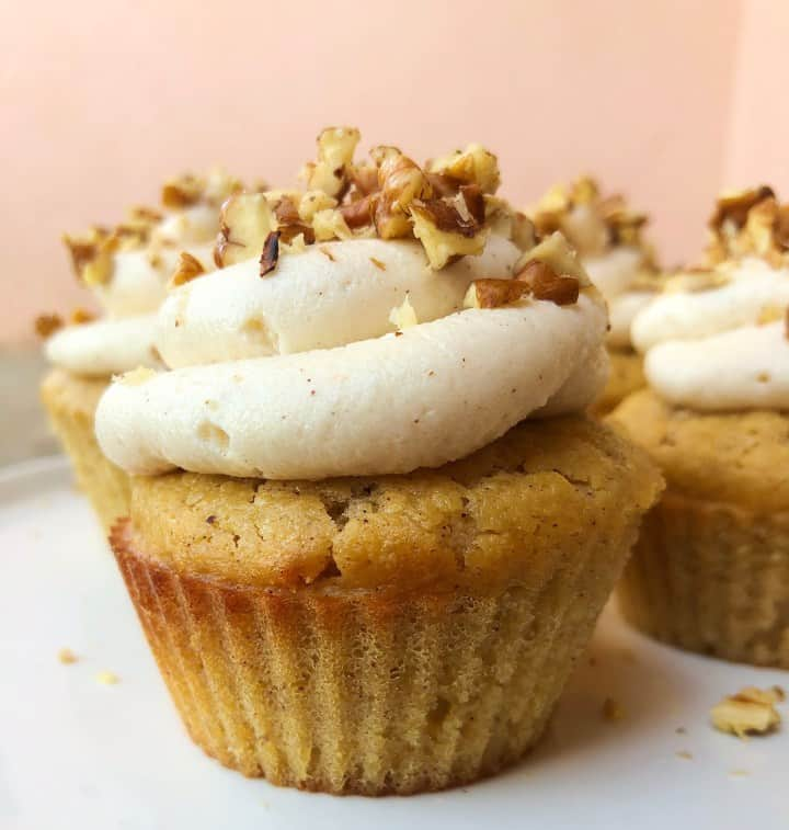 https://kindketomama.com/2019/07/30/keto-banana-cupcakes-with-cinnamon-cream-cheese-frosting/