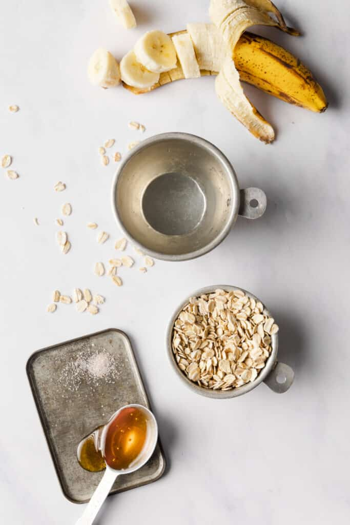 ingredients for mashed banana oatmeal