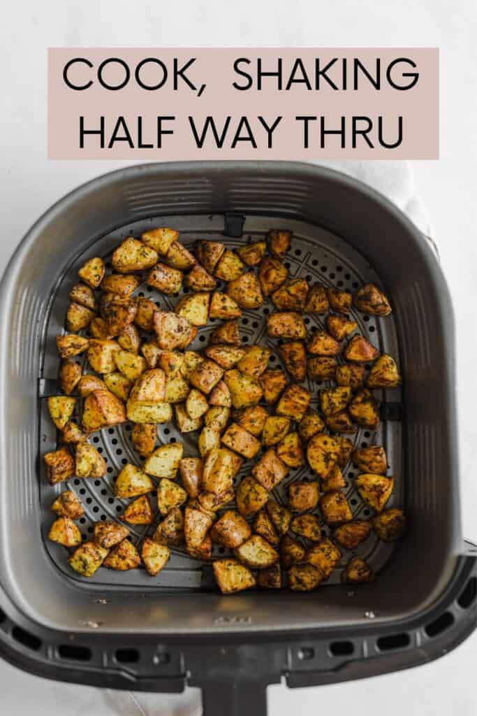 FINISHED POTATOES IN THE AIR FRYER BASKET