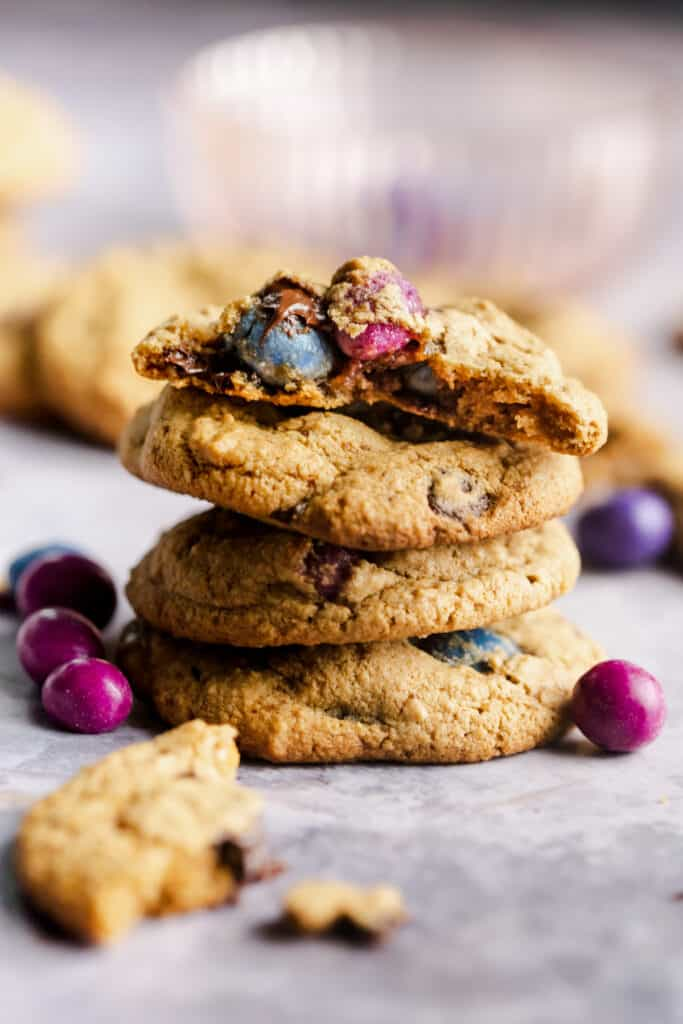 stack of 4 cookies with the inside of one showing